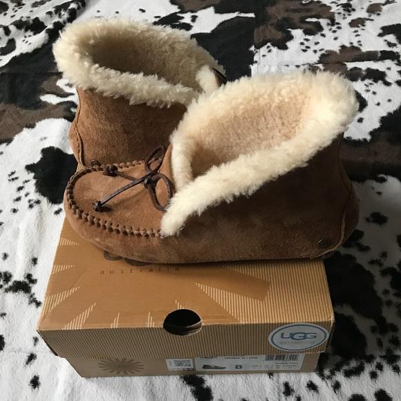 0f1f462e667 Women's UGG-Pure Alena Suede Slipper Bootie Size 8